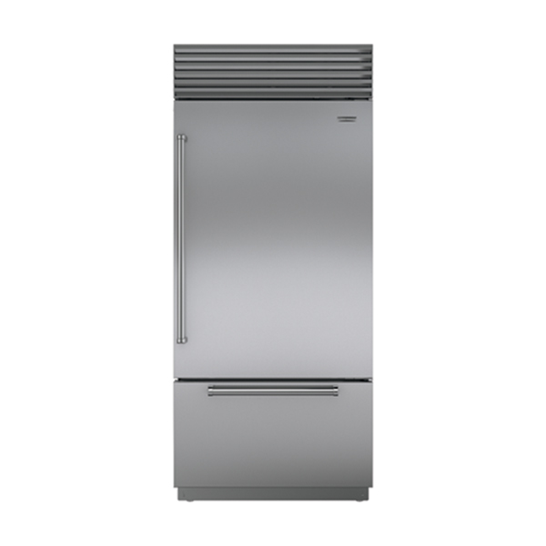 sub-zero OVER-AND-UNDER REFRIGERATOR WITH FREEZER DRAWER